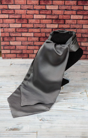 Шейный платок серый ручной работы на заказ