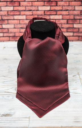 Шейный платок красный ручной работы на заказ