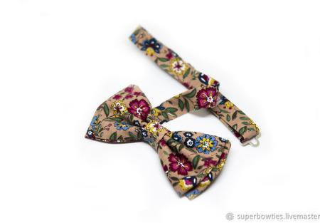 Галстук-бабочка бежевый с цветами ручной работы на заказ
