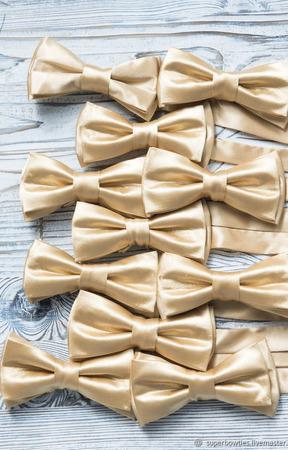 Галстук-бабочка золотой атласный ручной работы на заказ