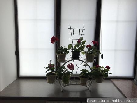 Подставка для цветов Ромашка на 7 горшков ручной работы на заказ