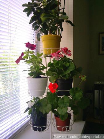 Подставка для цветов Фиалка на 7 горшков ручной работы на заказ