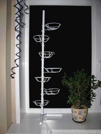 Угловая оконная подставка на 7 горшков ручной работы на заказ