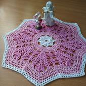 Розовая салфеточка