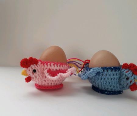 """Вязаные подставочки для пасхальных яиц """"Петушки"""" ручной работы на заказ"""