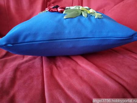 Подушка декоративная (с вышивкой из лент) ручной работы на заказ