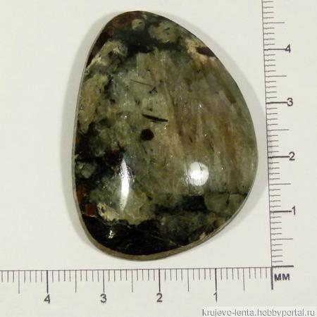 Кабошоны натуральный камень -  Кварц с эгирином ручной работы на заказ