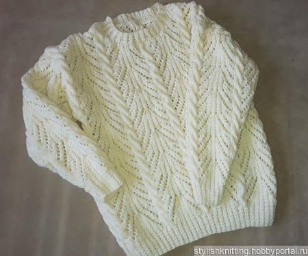 Пуловер с ажурным узором и косами ручной работы на заказ