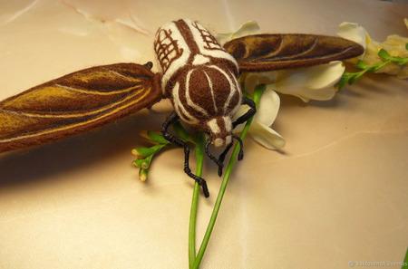 Миниатюра Летящий жук Голиаф ручной работы на заказ