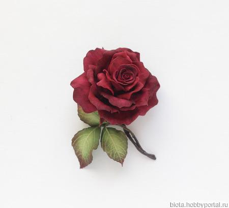 Брошь роза бордовая цветок с листьями ручной работы на заказ