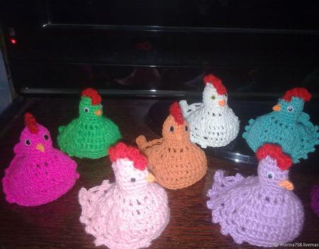 Пасхальная курочка и зайчики - колпачок для яиц ручной работы на заказ