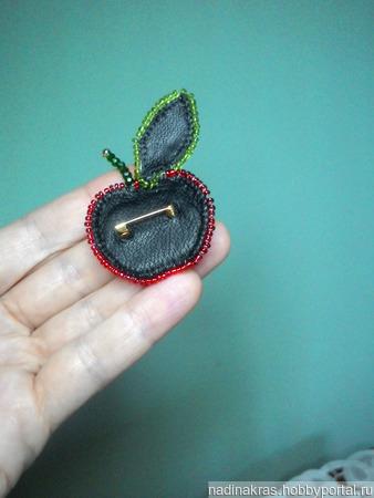 """Брошь ручной работы """"Спелое яблочко"""" ручной работы на заказ"""