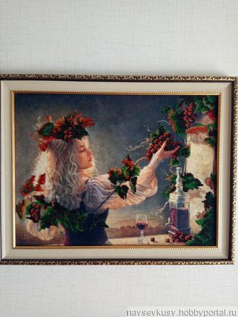 """Вышитая картина """"Девочка с виноградом"""" ручной работы на заказ"""