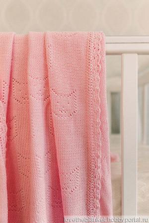 Плед детский на выписку вязаный розового цвета с котиками ручной работы на заказ