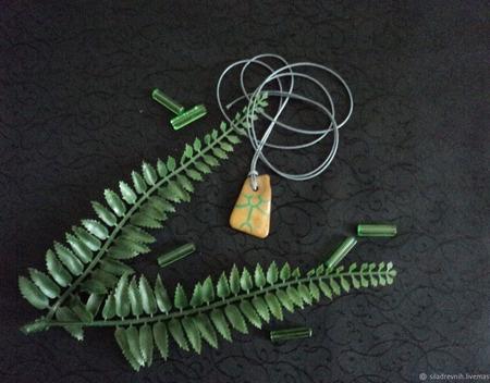 Амулет Природный глиф 14 ручной работы на заказ
