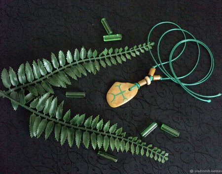 Амулет Природный глиф 12 ручной работы на заказ