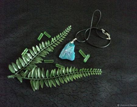 Амулет Удача и развитие (синий агат) ручной работы на заказ