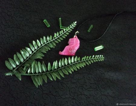 Амулет Любовь и отношения (розовый агат) ручной работы на заказ