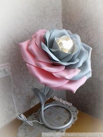 """Настольный светильник """"Роза"""" ручной работы на заказ"""