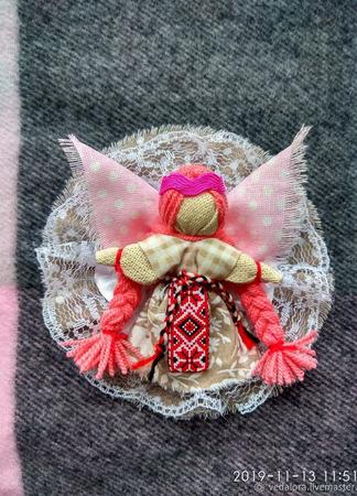 """Брошь в народном стиле """"Ангел хранитель"""" ручной работы на заказ"""
