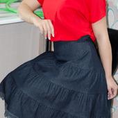 Джинсовая юбка миди многоярусная с кружевом