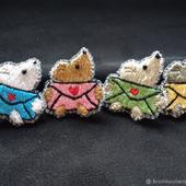 Брошь-булавка: Мышонок счастливых новостей