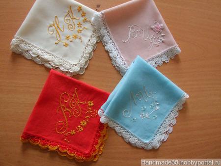 Платочки кружевные с вышивкой монограмм ручной работы на заказ