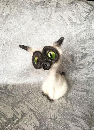 Сиамская кошка ручной работы на заказ
