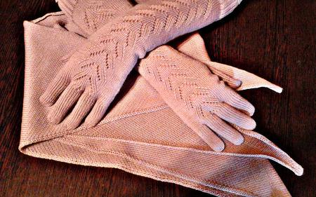 "Кoмплект перчатки + кoсынка ""Oчарoвание"" ручной работы на заказ"
