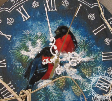 """Настенные часы """"Снегирьки"""" ручной работы на заказ"""