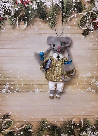 Символ года - мышка с книжкой ручной работы на заказ