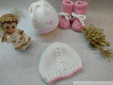 Комплект для малышки - комбинезон, шапочки, пинетки ручной работы на заказ