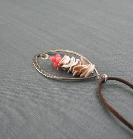 """Подвеска """"Sea treasures"""" из серебра с ракушками на шнуре ручной работы на заказ"""