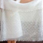 Белый вязаный ажурный пуховый платок- паутинка, ручная вязка