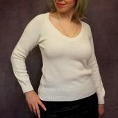Пуловер белого цвета
