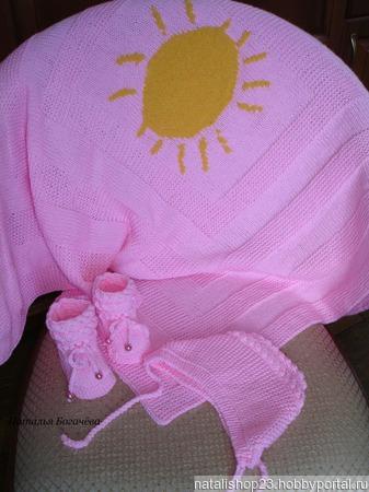 Комплект шапочка и пинетки ручной работы на заказ