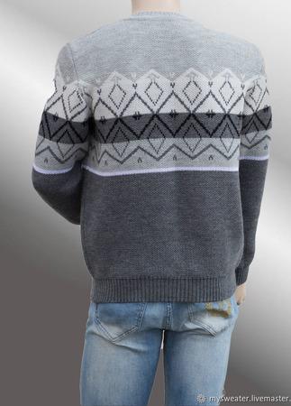 Мужской свитер с геометрическим орнаментом ручной работы на заказ