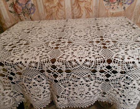 Скатерть вязаная ажурная из мотивов ручной работы на заказ