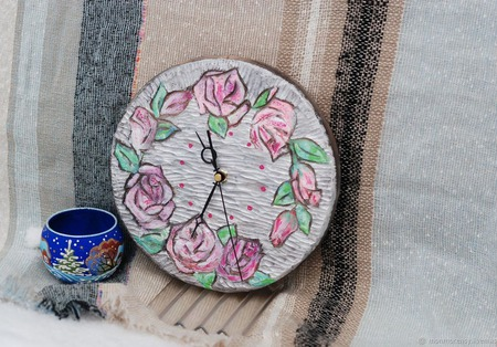 "Часы настенные ""Розы"" ручной работы на заказ"