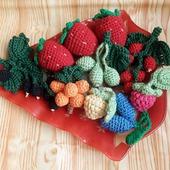 Вязаные ягоды Дары осени