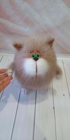 Вязаный котик толстячок ручной работы на заказ