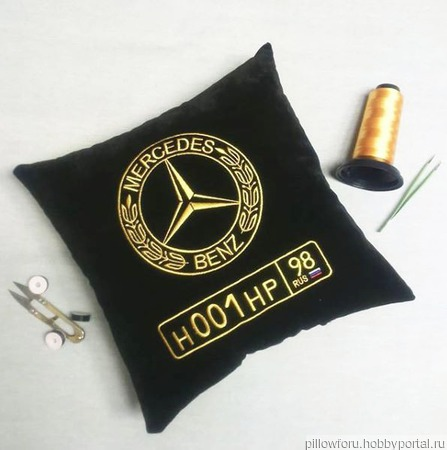 Подушка автомобильная Mercedes ручной работы на заказ