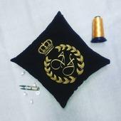 Подушка автомобильная Корона с инициалами