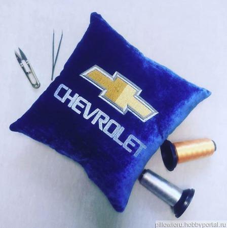 Подушка автомобильная Chevrolet ручной работы на заказ