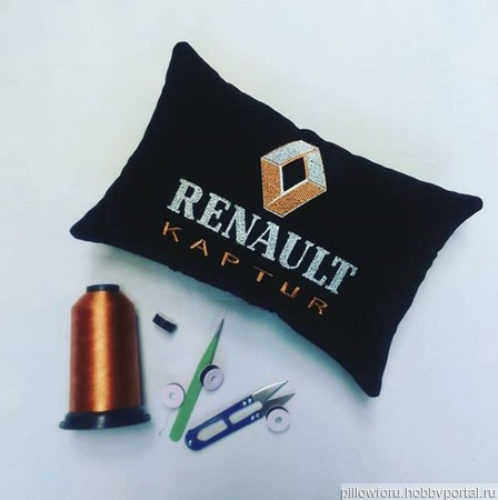 Подушка автомобильная на подголовник Renault ручной работы на заказ