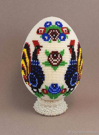 Яйцо оплетенное бисером ручной работы на заказ