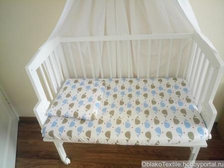 Комплект для приставной кроватки ручной работы на заказ
