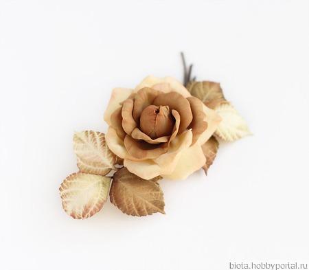 Брошь роза бежевая карамельная песочная кремовая ручной работы на заказ
