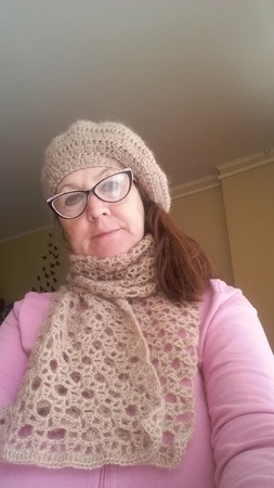 Берет теплый и шарф ручной работы на заказ