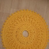 Круглый желтый коврик